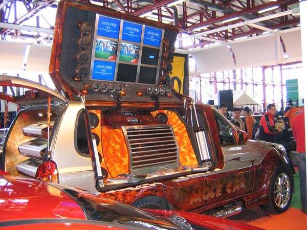 Madrid Tunning Show & Festival. Marzo 2005. Foto: Charly Parka. ( Madrid Tuning Show & Festival : 12 y 13 de marzo 2005. Organizado por Motor Show Festival )